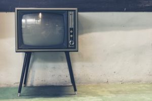Klassischer Fernseher vs. OLED TV